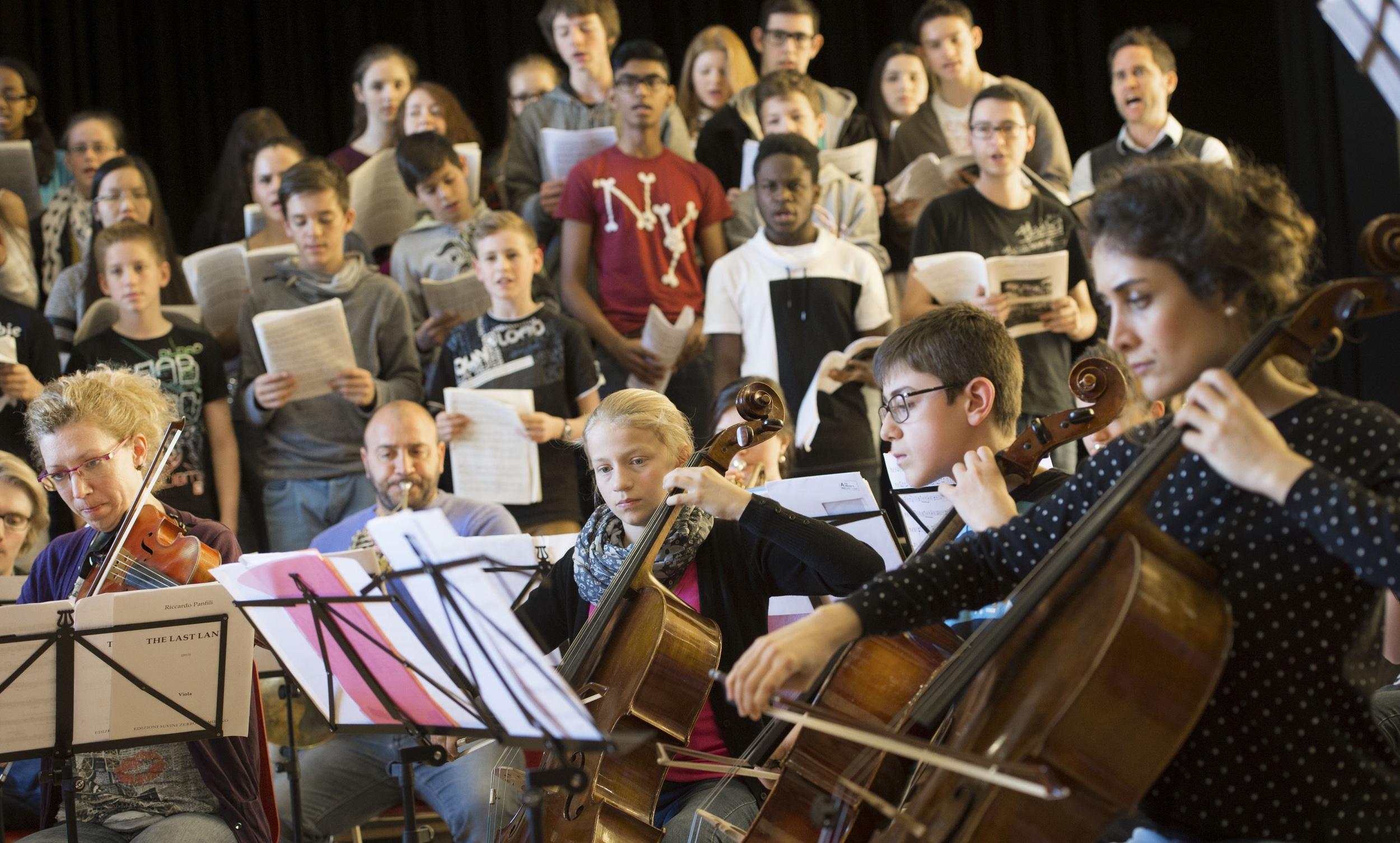 Probe-für-das-Sonderkonzert-mit-Musikern-des-Human-Rights-Orchestra-2.jpg