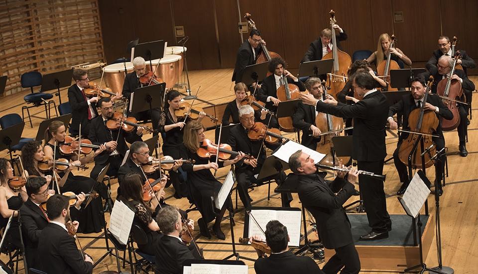 """Clarinetist Fabrizio Meloni performing """"Per ognuno di noi..."""""""