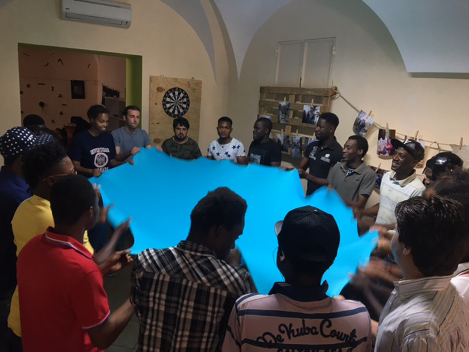 Sharing-the-cloth exercise with men
