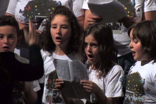 2012 Pesaro, Italy: primary school students singing about the human right to health.
