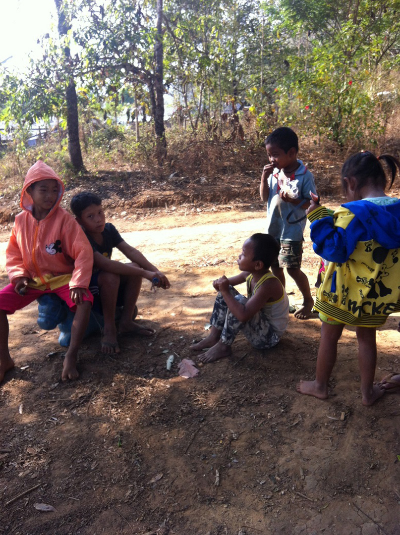Children playing (Ban Mai community)