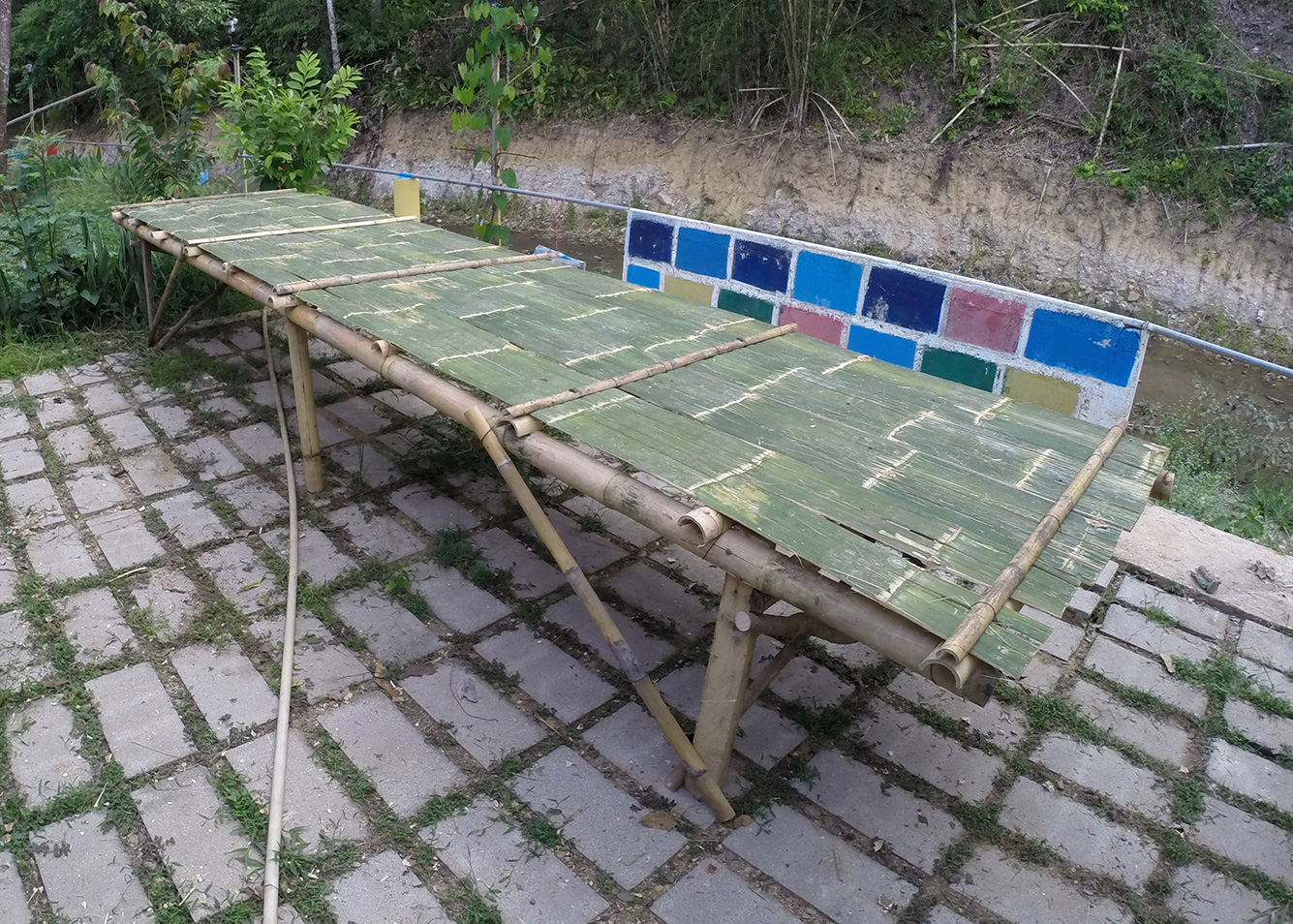 A table made from bamboo for the disinfection and material studies