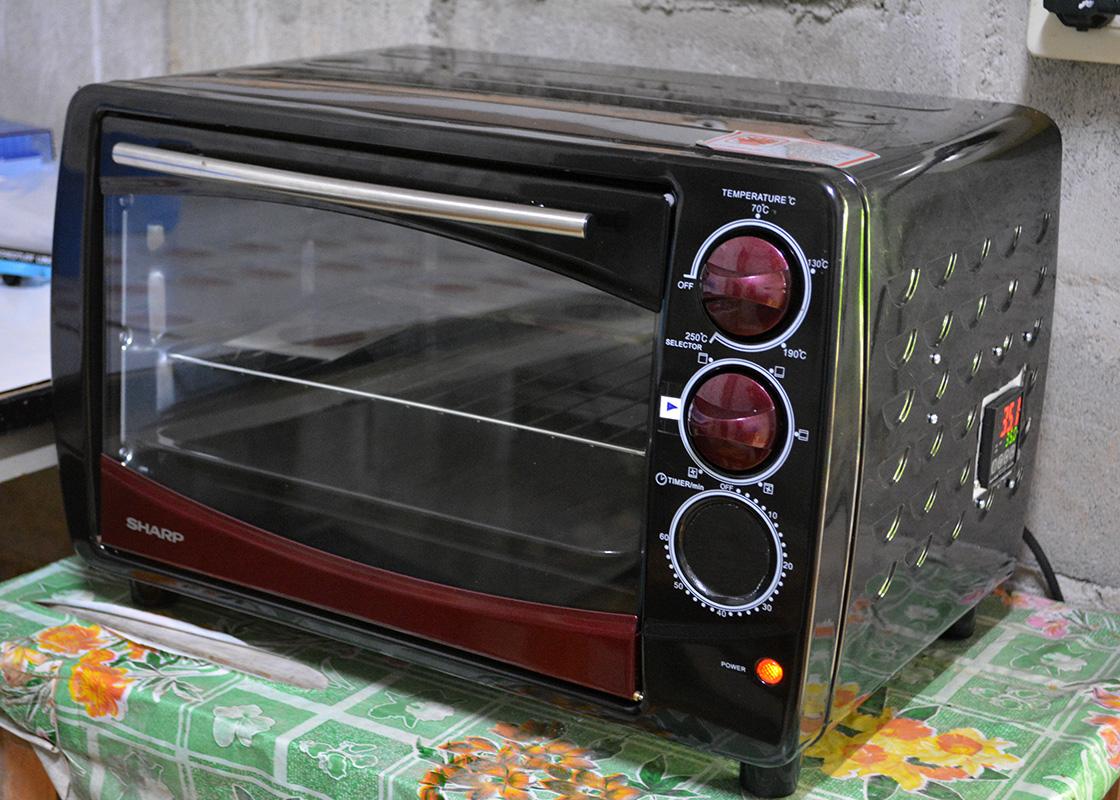 A customized incubator, engineered by Nuttakorn