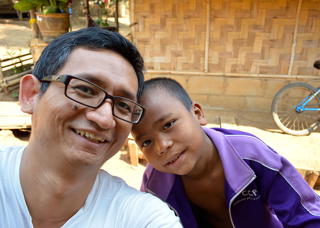 Sittha made another friend in Ban Mai.