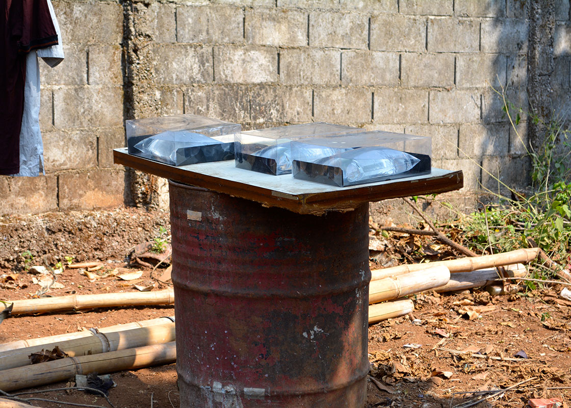 At the drop-in center of PRF at the Three Pagoda Pass border-crossing, SODIS X sets were also used to disinfect drinking water for the staff.