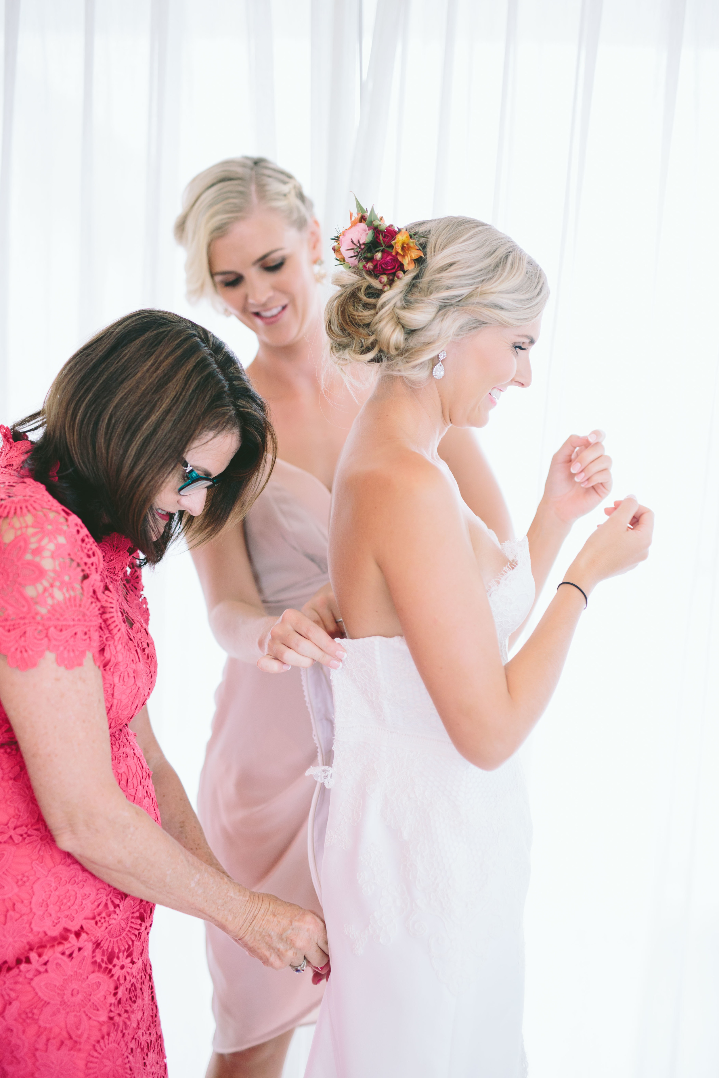 Courtney + Chris_Girls Getting Ready-5147.jpg