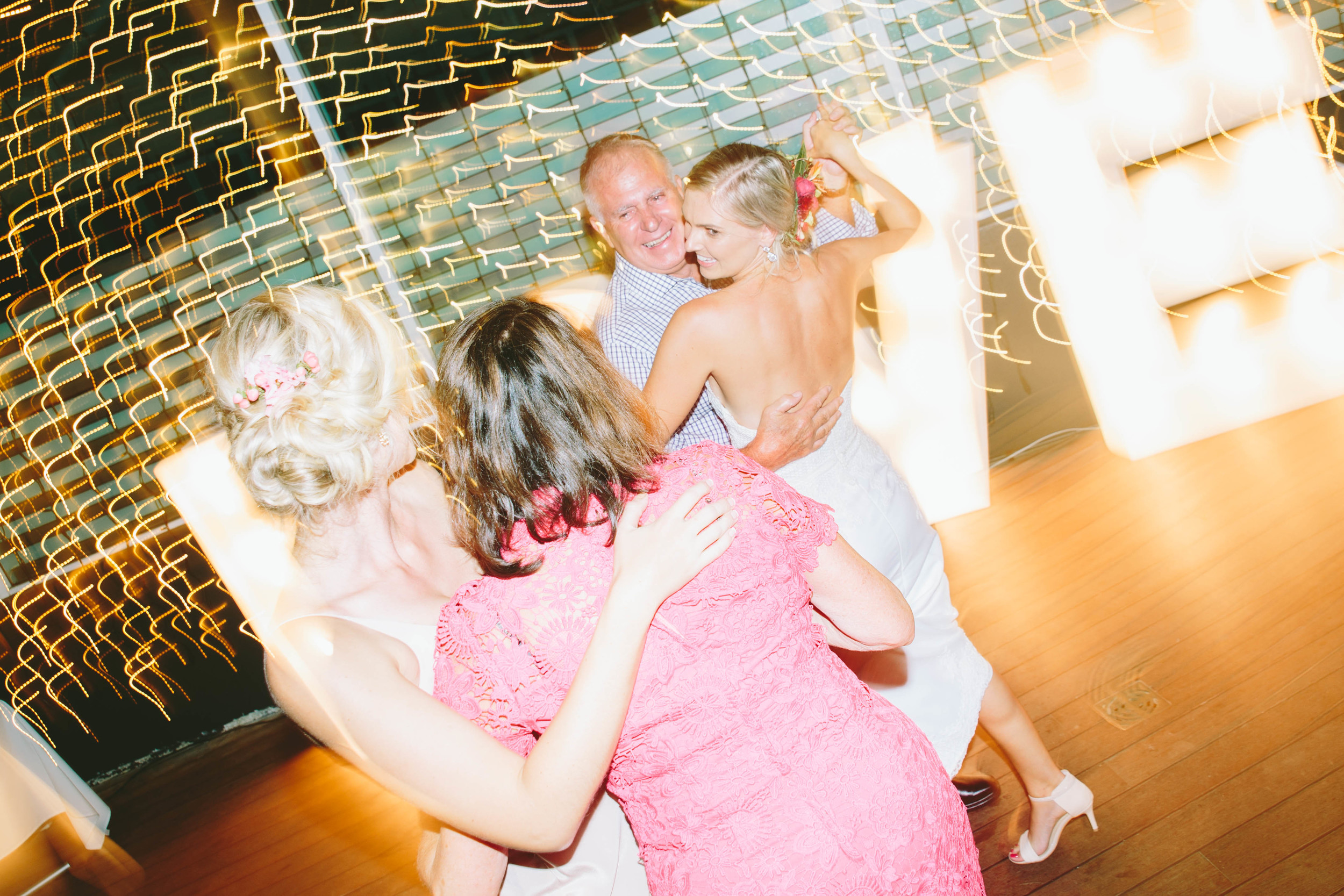 Courtney + Chris_Dancefloor-8928.jpg