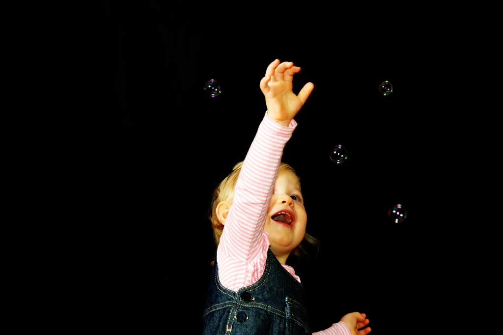 We find that kids just love having bubbles in their photography seasons. Perth Western Australia