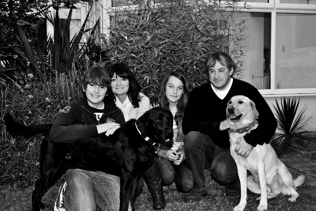 Dont forget the family animals during the family session, Image taken by Warnock Imagery