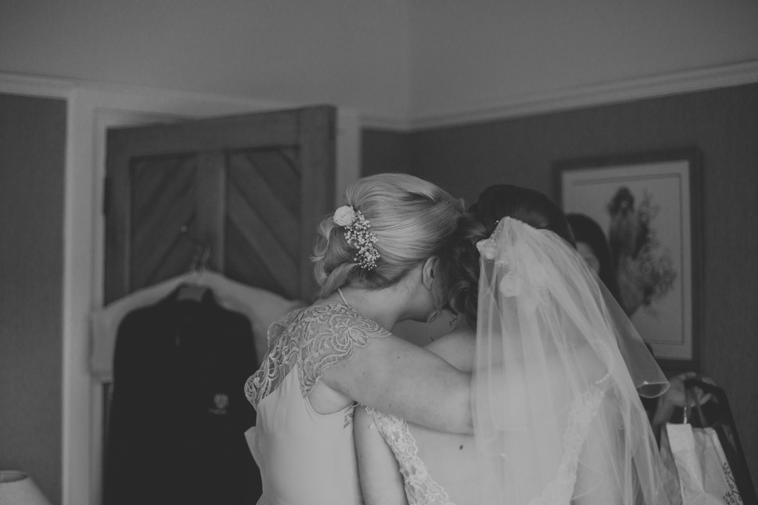 Delbury-Hall-Wedding-Photography-Shropshire-29.jpg