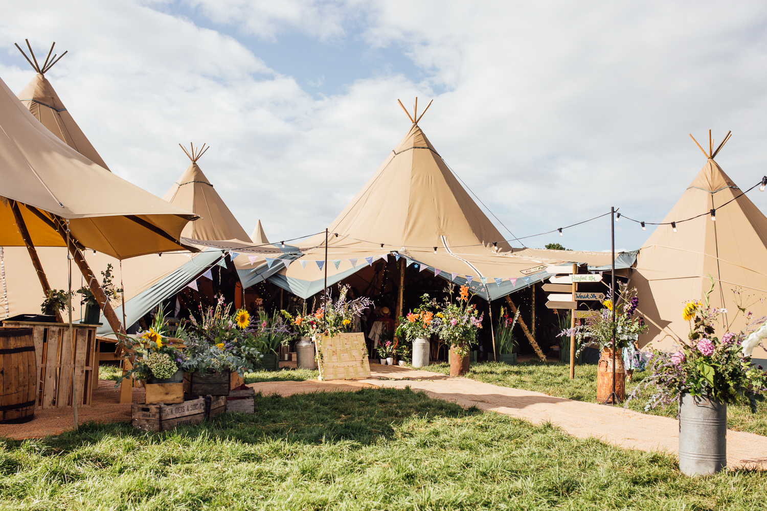 Tipi Festival Wedding Photography-18.jpg