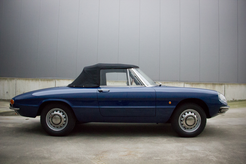 Alfa_Romeo_Duetto-17.jpg