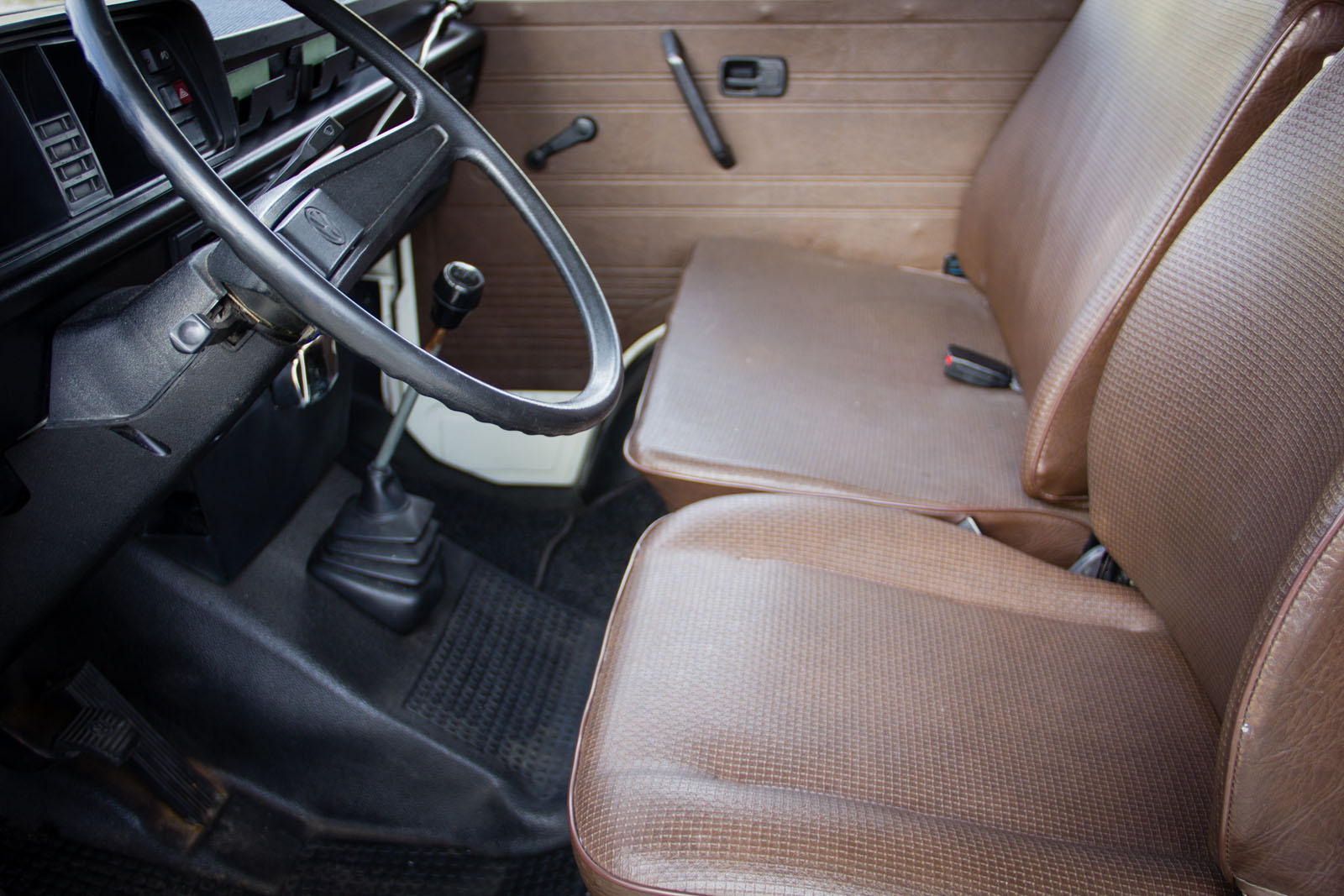 volkswagen-camper-T2-oldtimerland-24.jpg