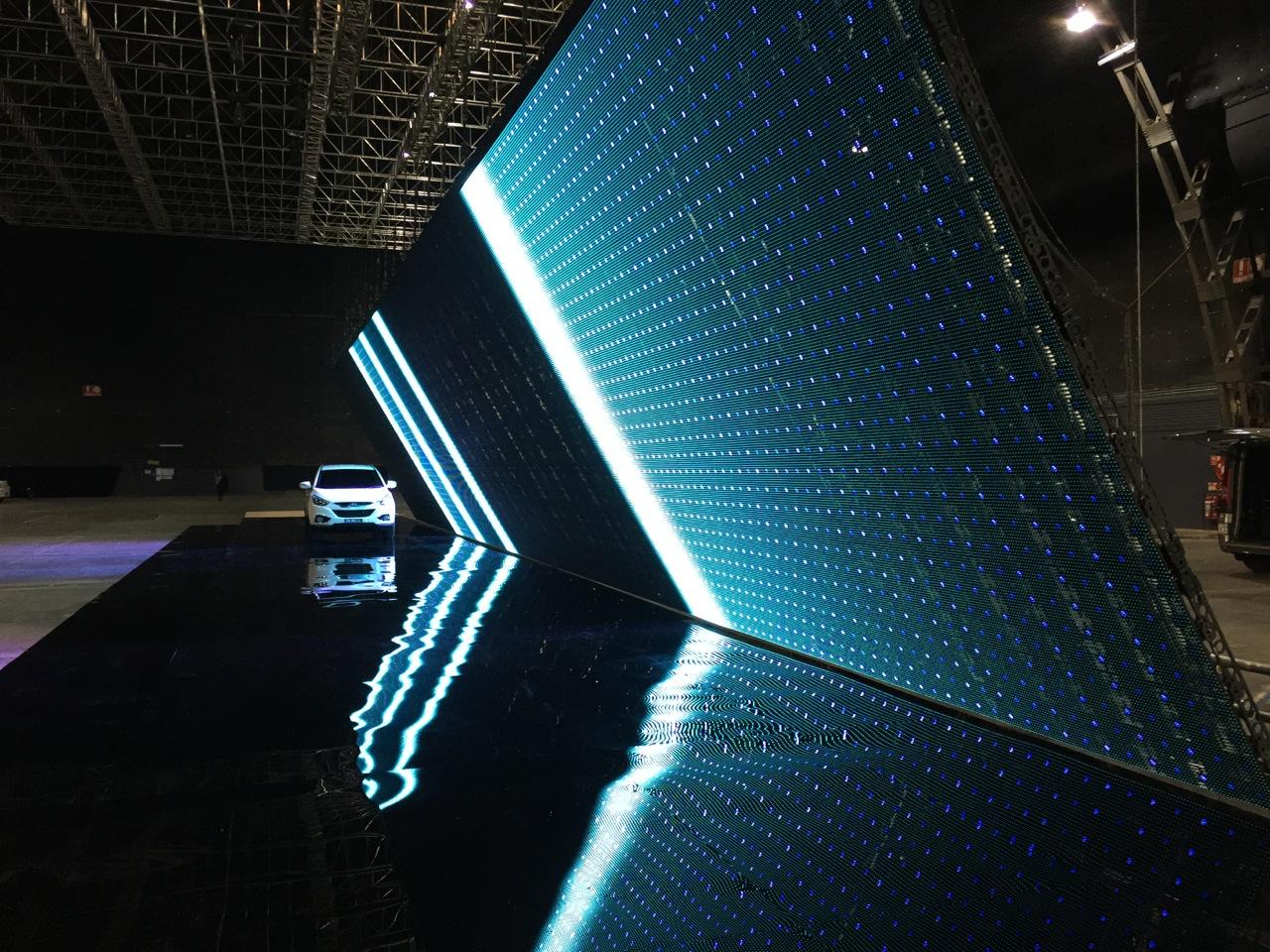 30m long   LED wall