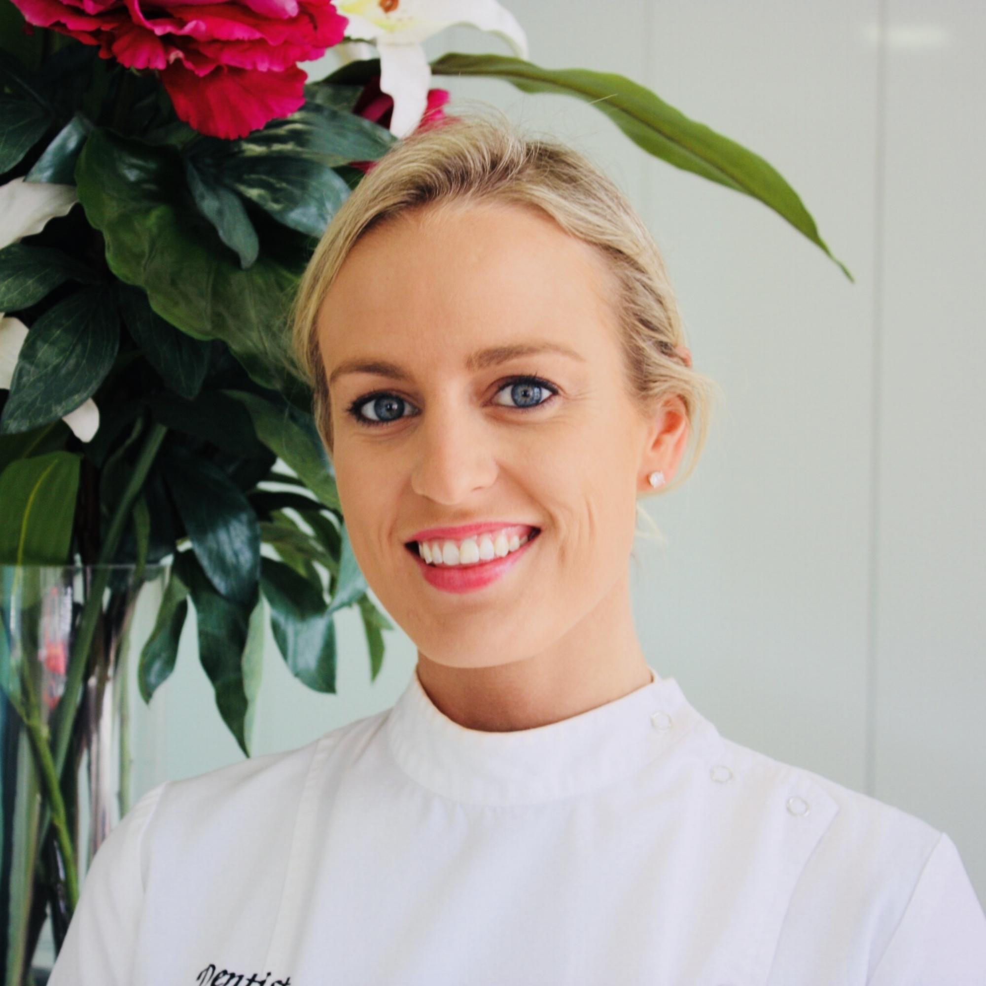 Dr Laura Siebels (Dentist)