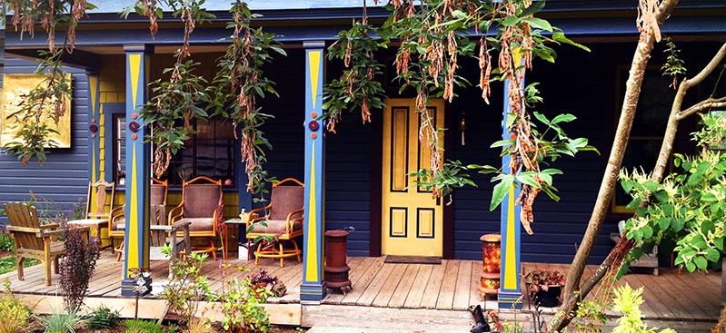 Golden-tree-hostel-front.jpg