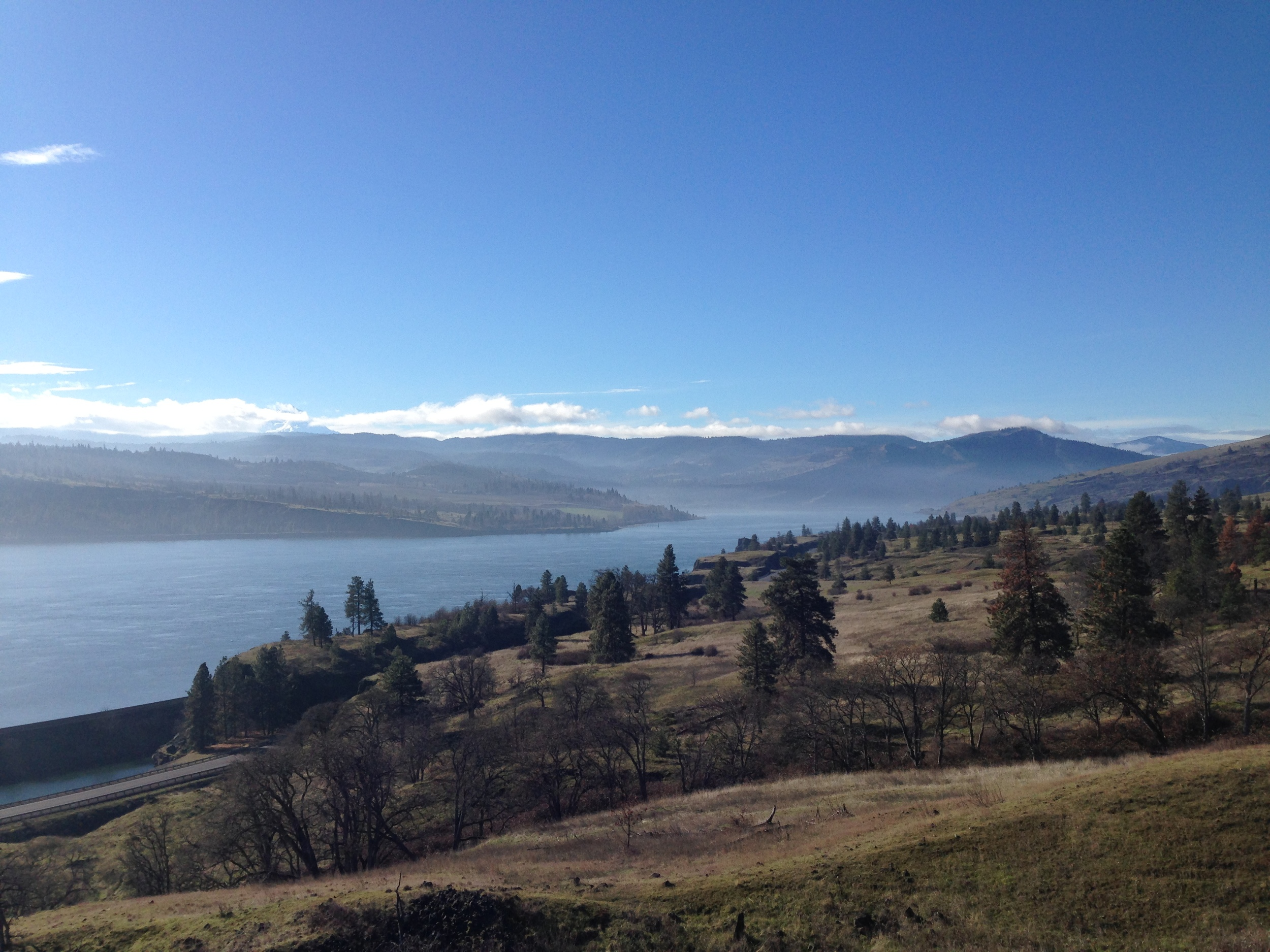 Looking west into the Columbia Gorge near Syncline Winery. Credit: Mat Elmore