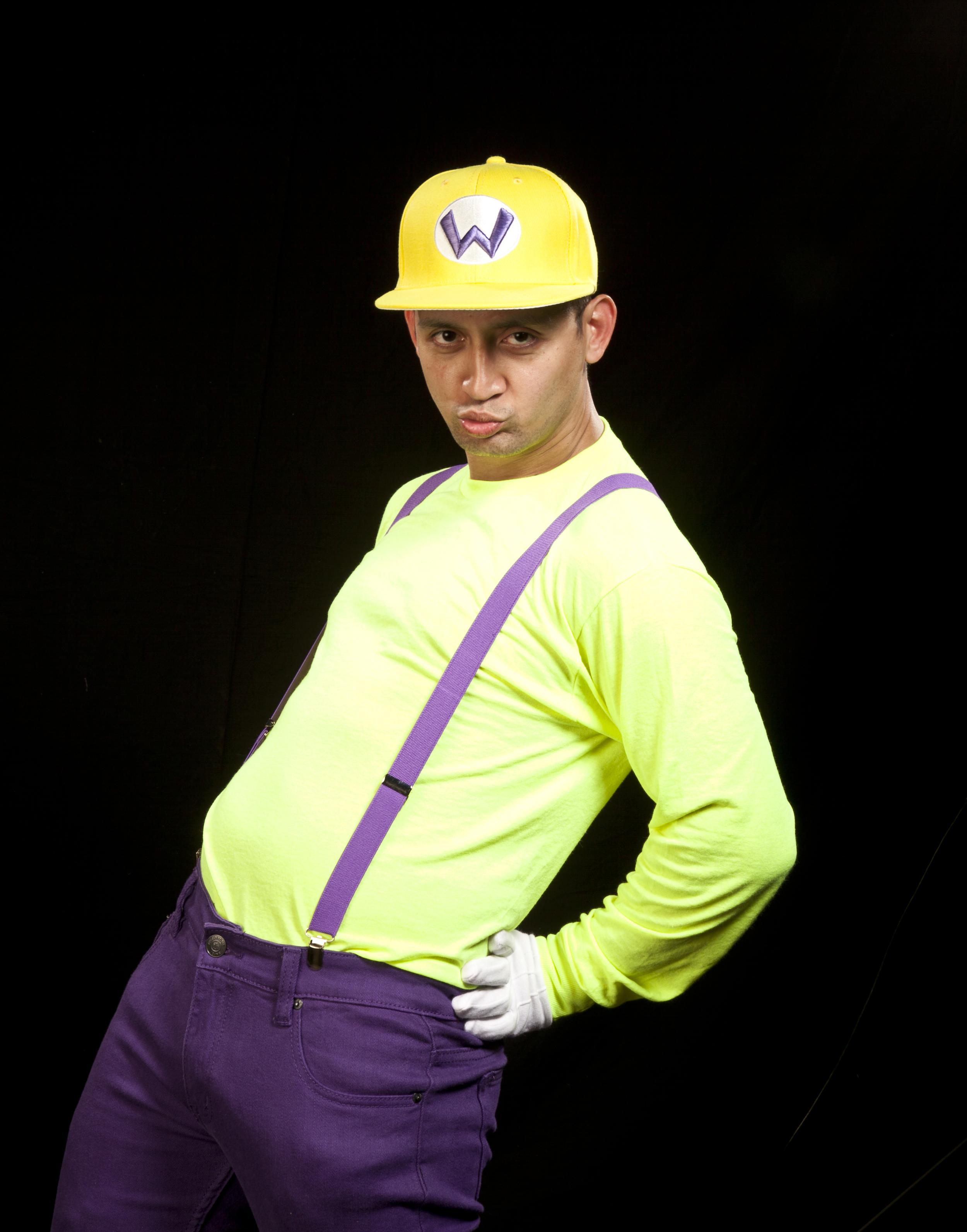 yellow cap, yellow shirtIMG_4354.jpg