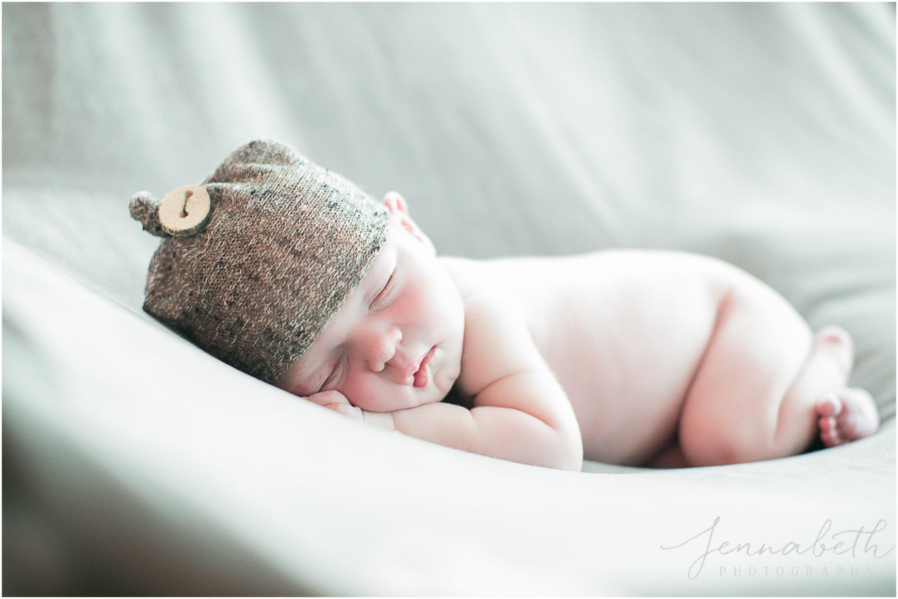 JennaBethPhotography-BurgNewborn-5.jpg