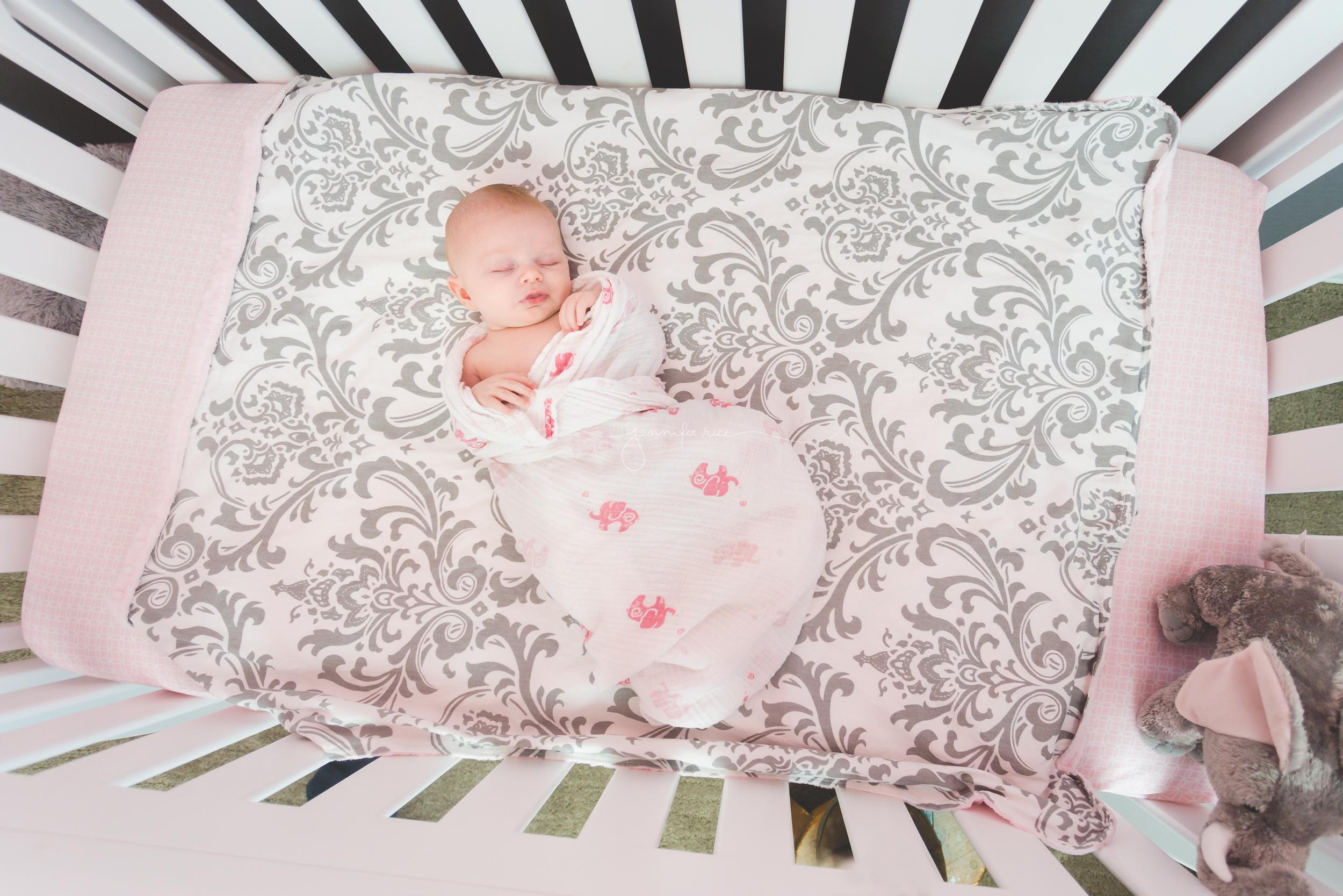 newborn-lifestyle-13.jpg