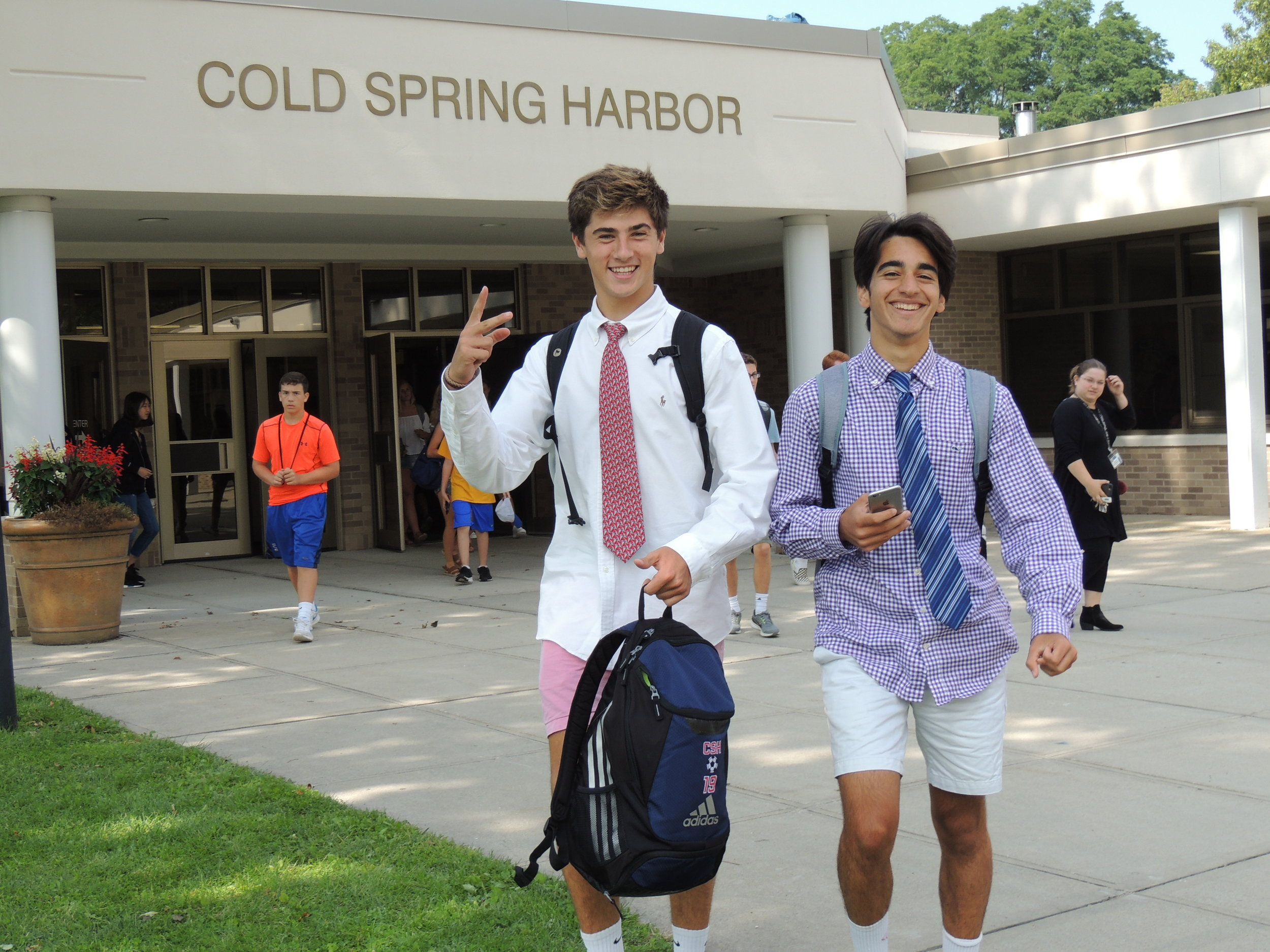Cold Spring Harbor high schoolers pose for a picture on the first day of school.  Photo/Cold Spring Harbor School District