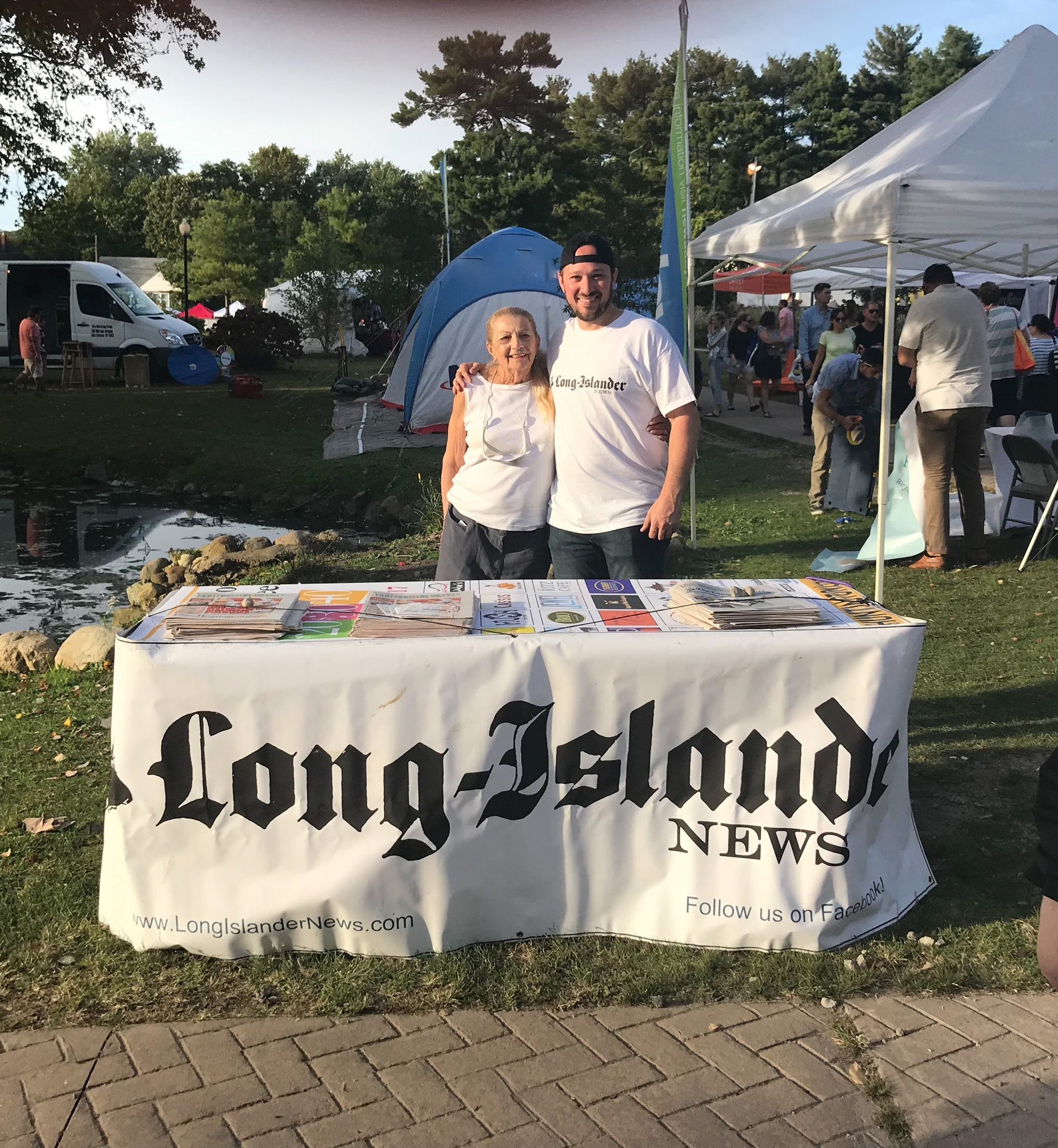 Long-Islander News digital media editor Paul Shapiro with Long-Islander newspaper subscriber Roberta Palmer.   Long Islander News Photo/Paul Shapiro