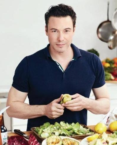 "Celebrity Chef Rocco DiSpirito will sign copies of his ""Rocco's Healthy + Delicious!"" cookbook at Book Revue on Nov. 30."