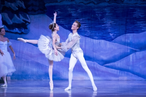 """Emily Gershowitz stars as the Snow Queen opposite Jackson Fort in New York Dance Theatre's production of """"The Nutcracker,"""" 30 years after her mom danced the same role."""