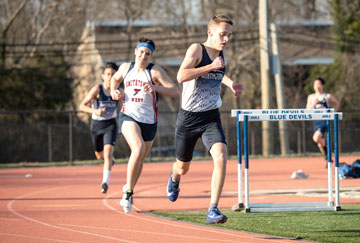 Craig Haas on his way to third place in the 800m run for Huntington.