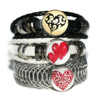 Love_Heart_charms_on_bracelets_360x.jpg
