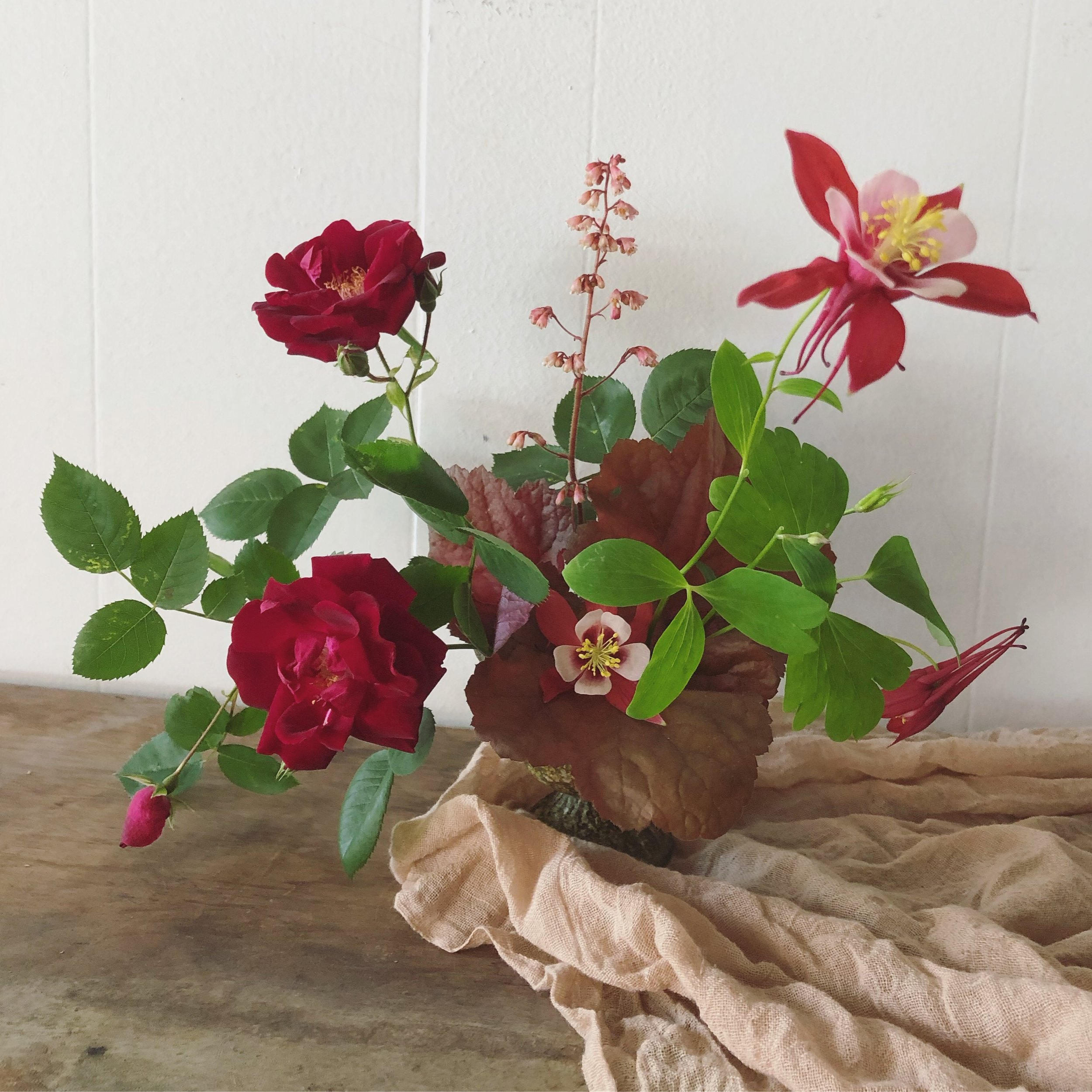 About - Janessa Walter is the creative force behind Gold Dust Floral. Her love of flowers spills out of every arrangement.