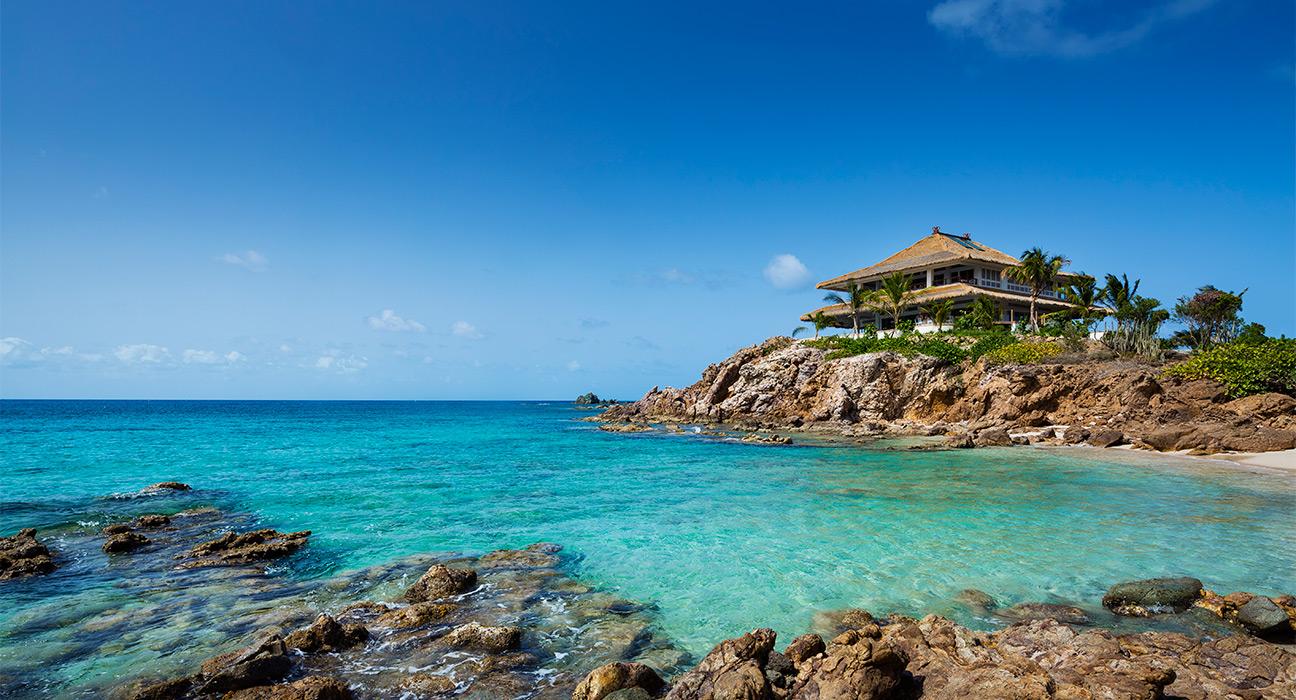Moskito-Island-exterior-headland house-sea-beach-villa.jpg