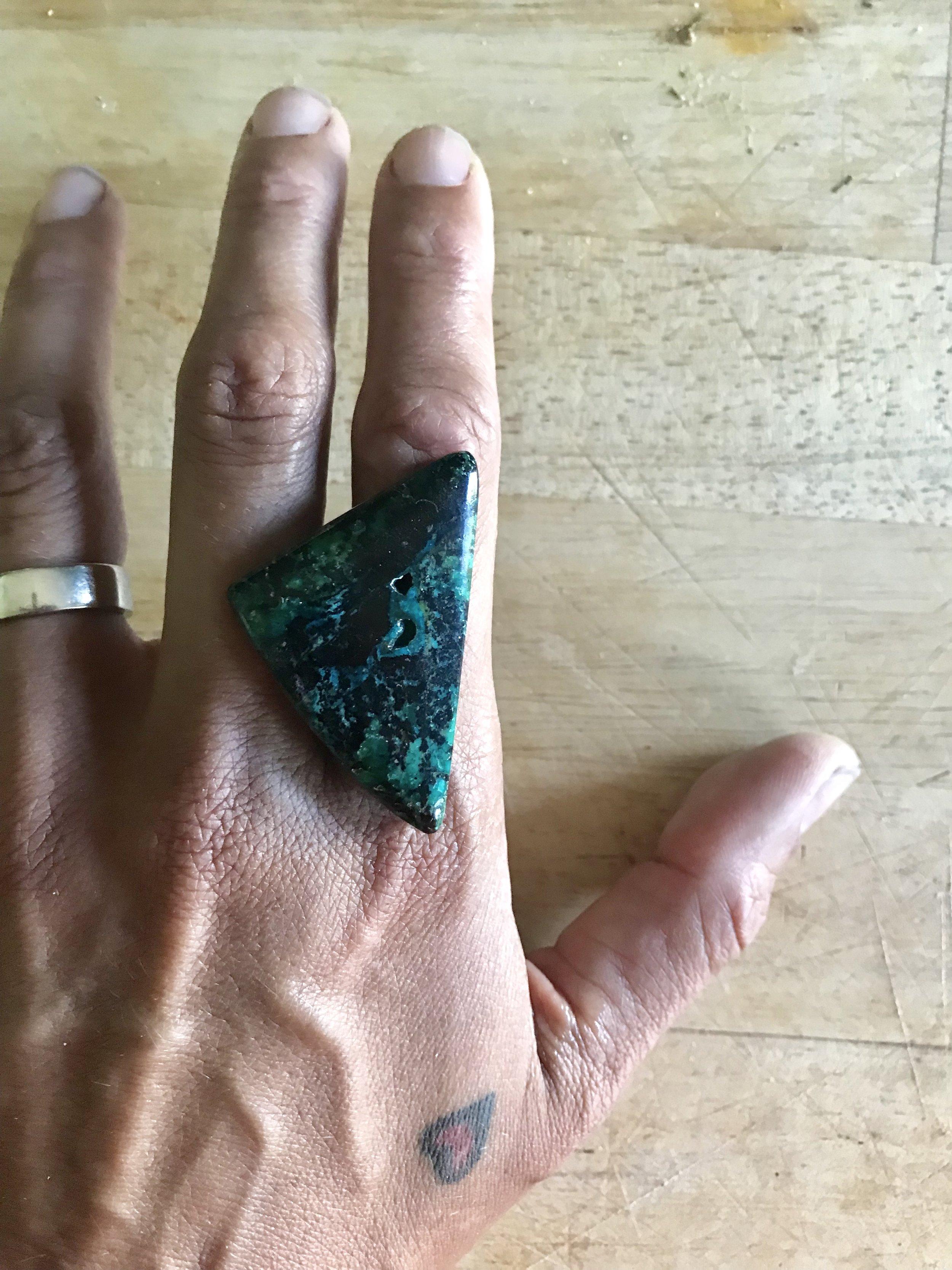 80s stone on hand