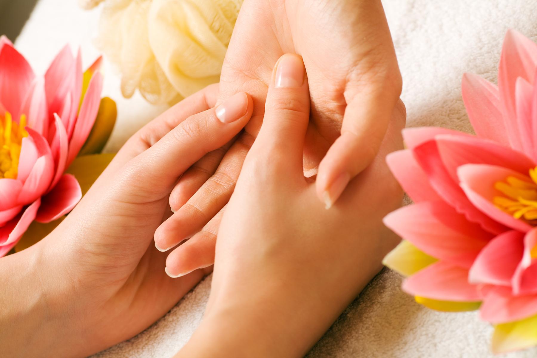 hand massage 1.jpg