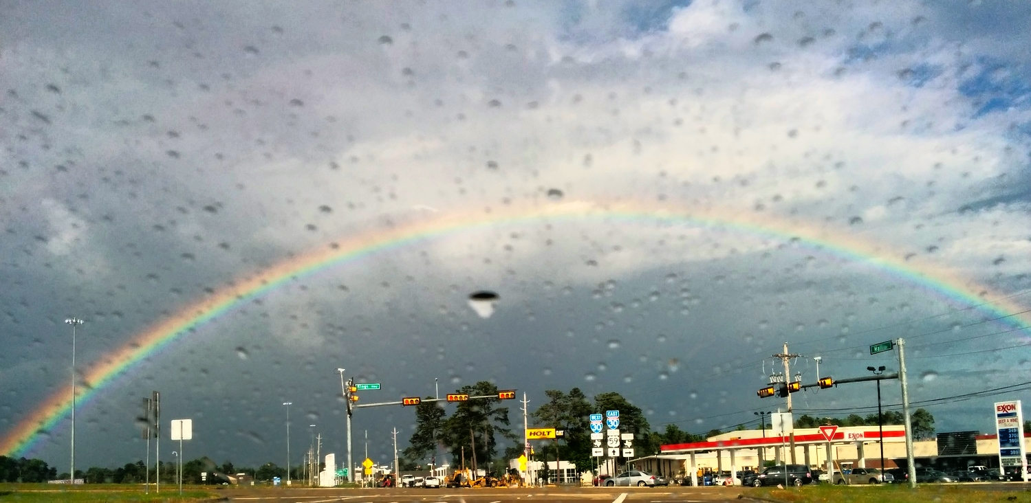 A rainbow from the welcoming committee when coming into Nash.
