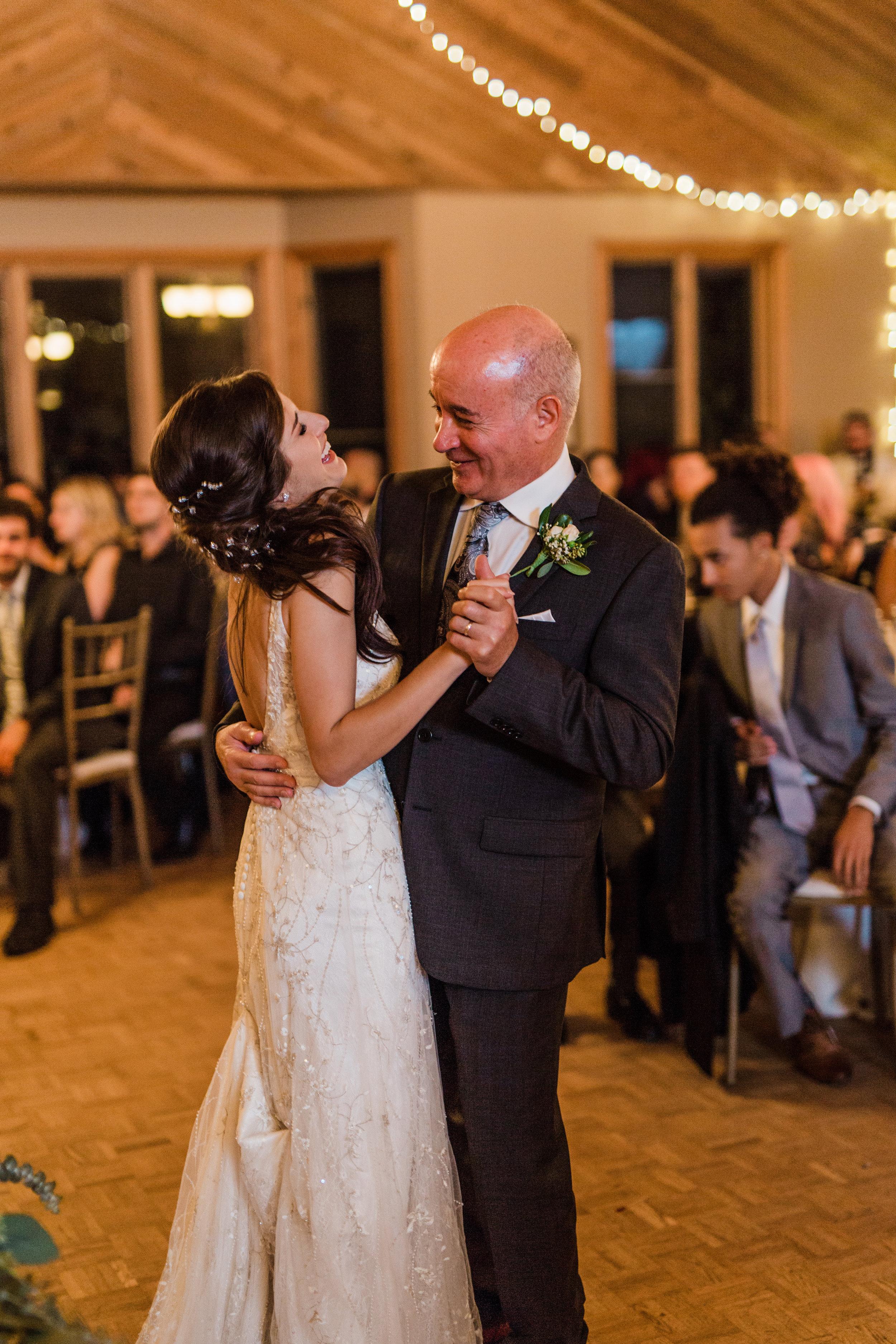 Amir-Golbazi-Danielle-Giroux-Photography_Toronto-Wedding_Cedarwood_Rachel-Paul_728.jpg