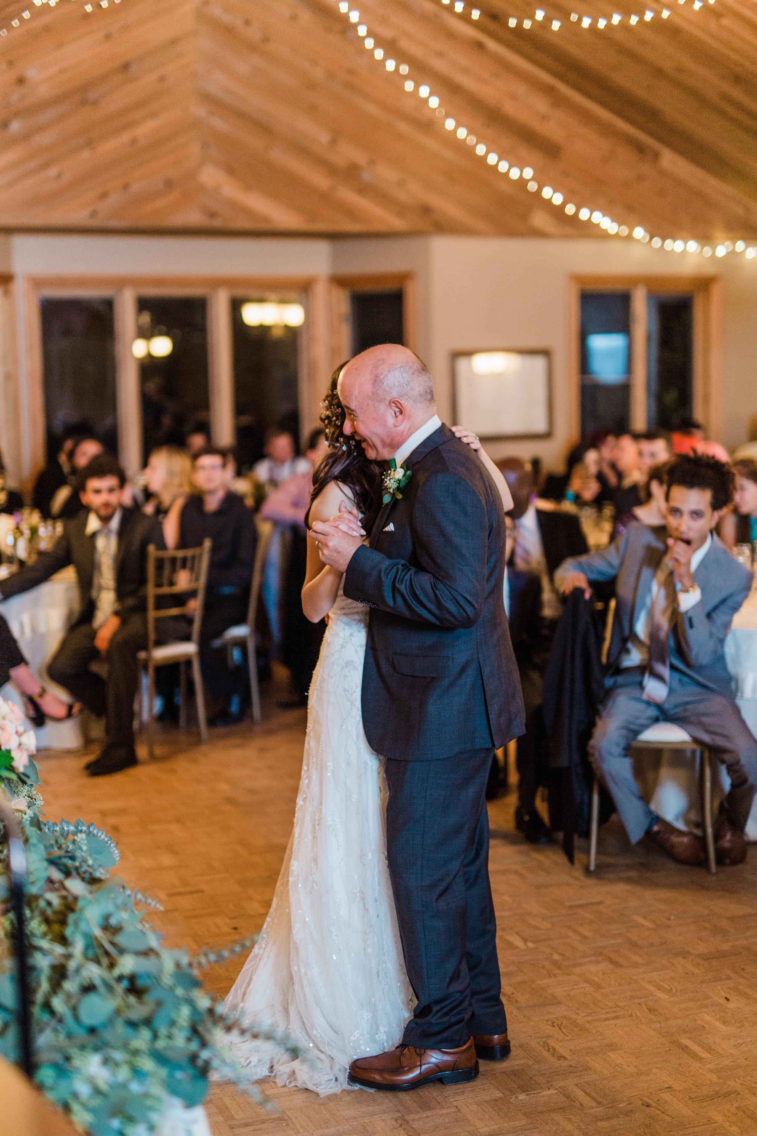 Amir-Golbazi-Danielle-Giroux-Photography_Toronto-Wedding_Cedarwood_Rachel-Paul_737.jpg