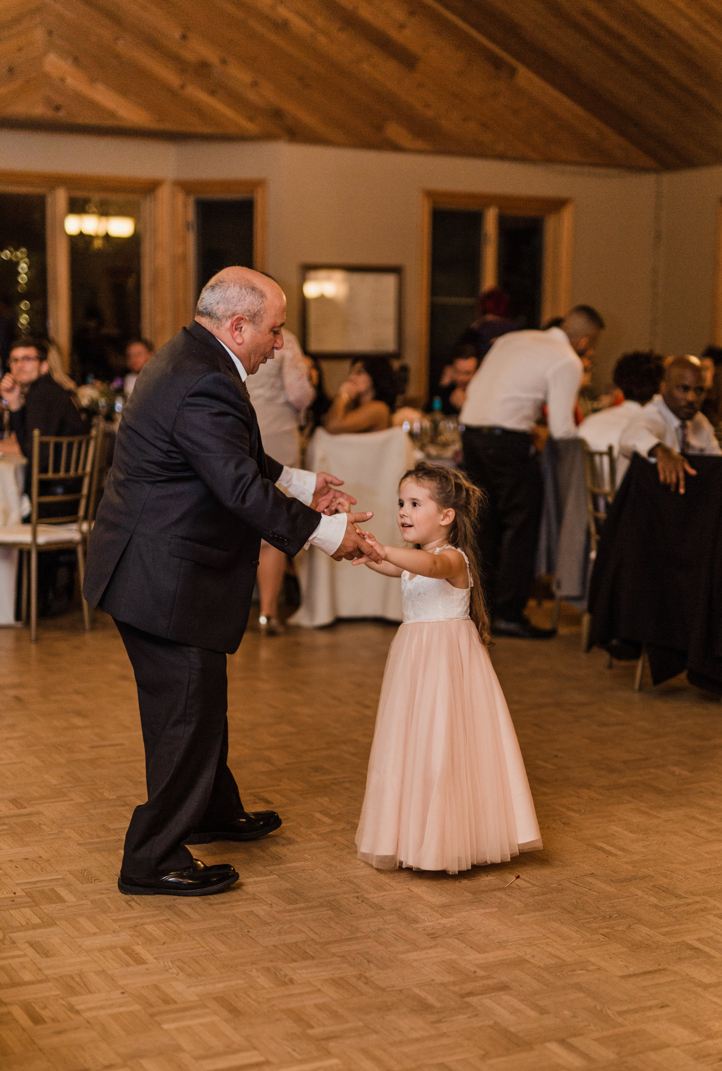 Amir-Golbazi-Danielle-Giroux-Photography_Toronto-Wedding_Cedarwood_Rachel-Paul_754.jpg