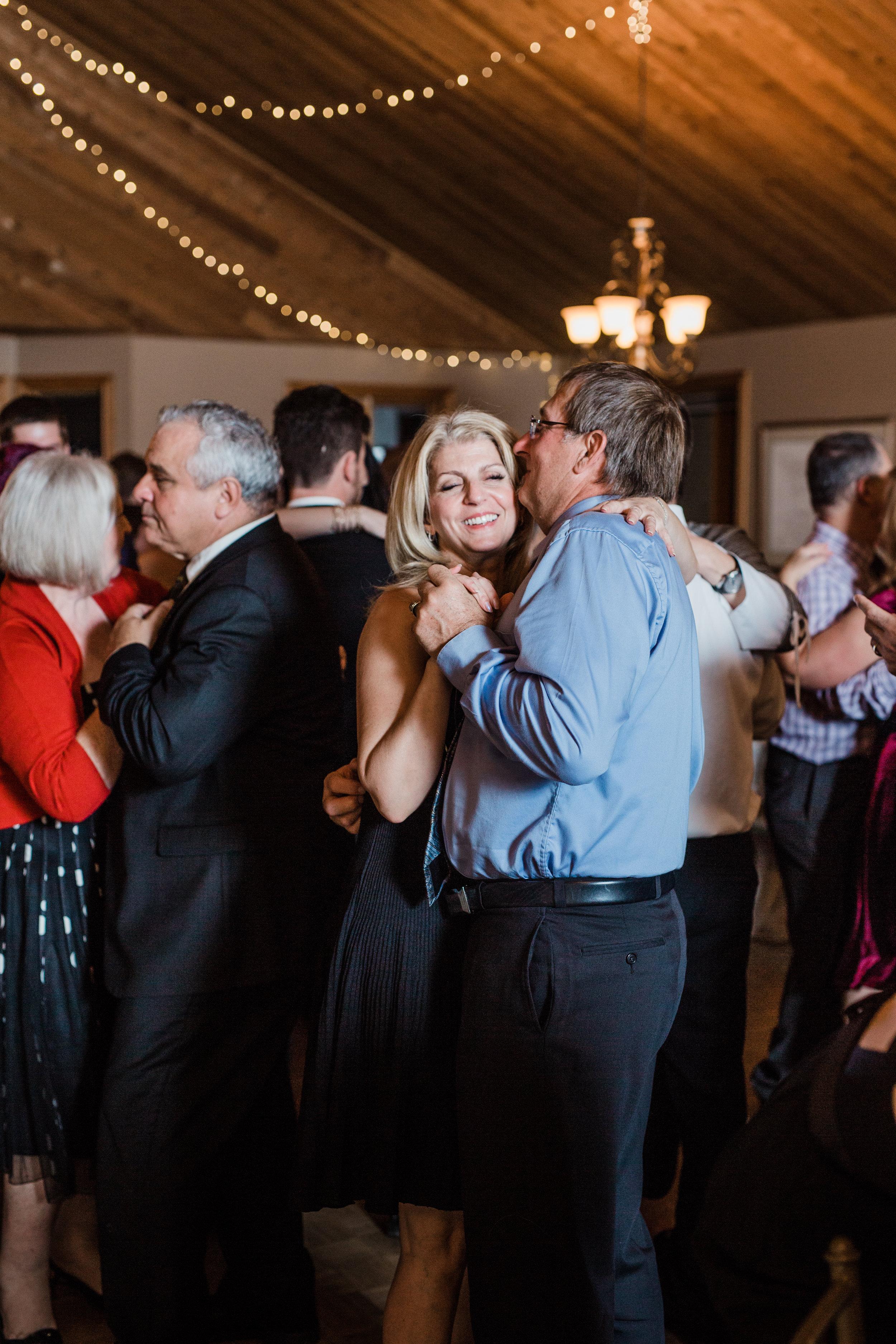 Amir-Golbazi-Danielle-Giroux-Photography_Toronto-Wedding_Cedarwood_Rachel-Paul_782.jpg