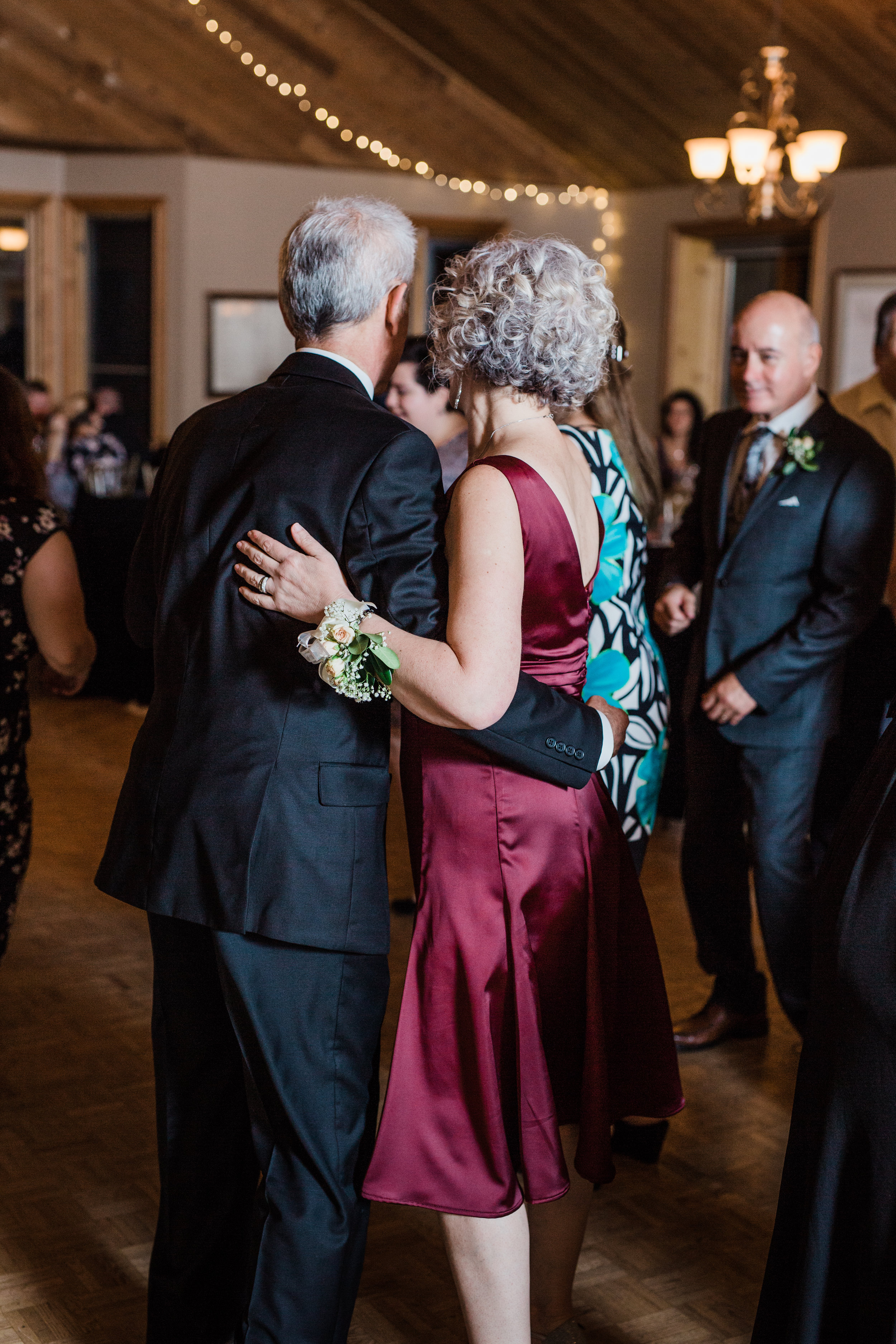 Amir-Golbazi-Danielle-Giroux-Photography_Toronto-Wedding_Cedarwood_Rachel-Paul_811.jpg