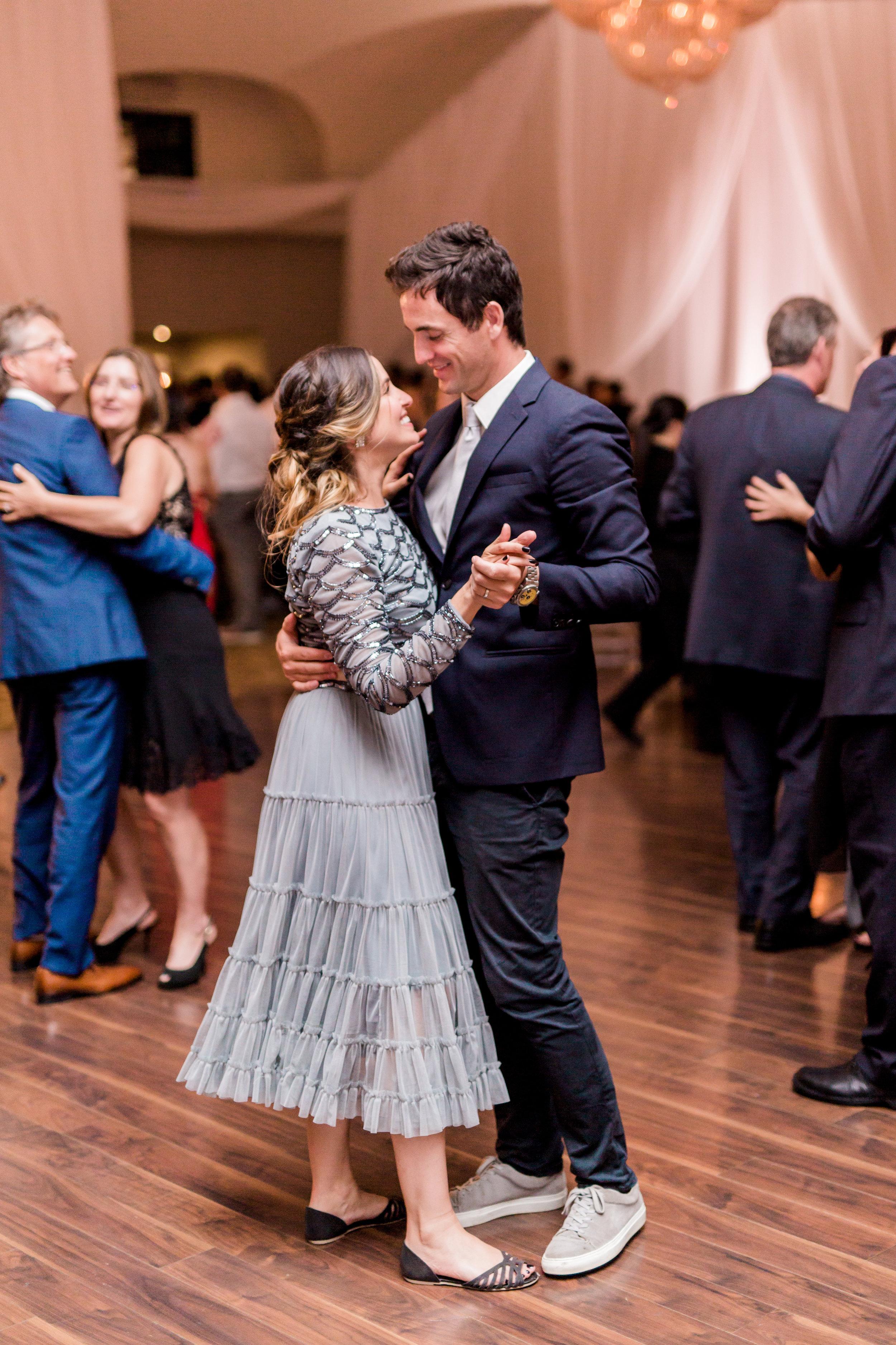 Danielle-Giroux-Amir-Golbazi-Toronto-Wedding-Photographer-Bellvue-Manor_DeLuca_2-834.jpg