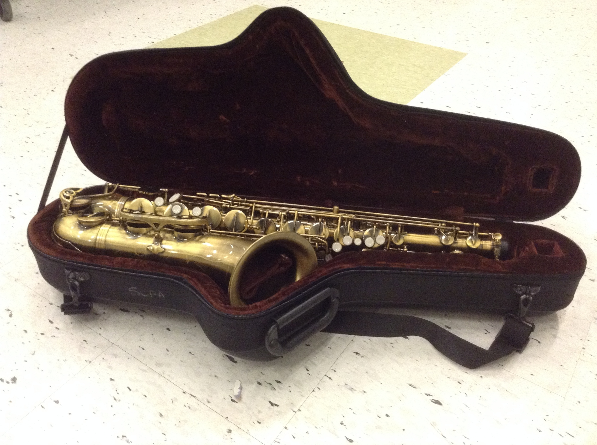 picture of saxophone here...