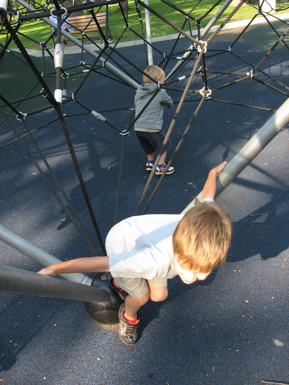 Tesseract climbers