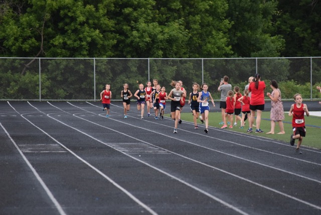 Micah with the pack in the 800m
