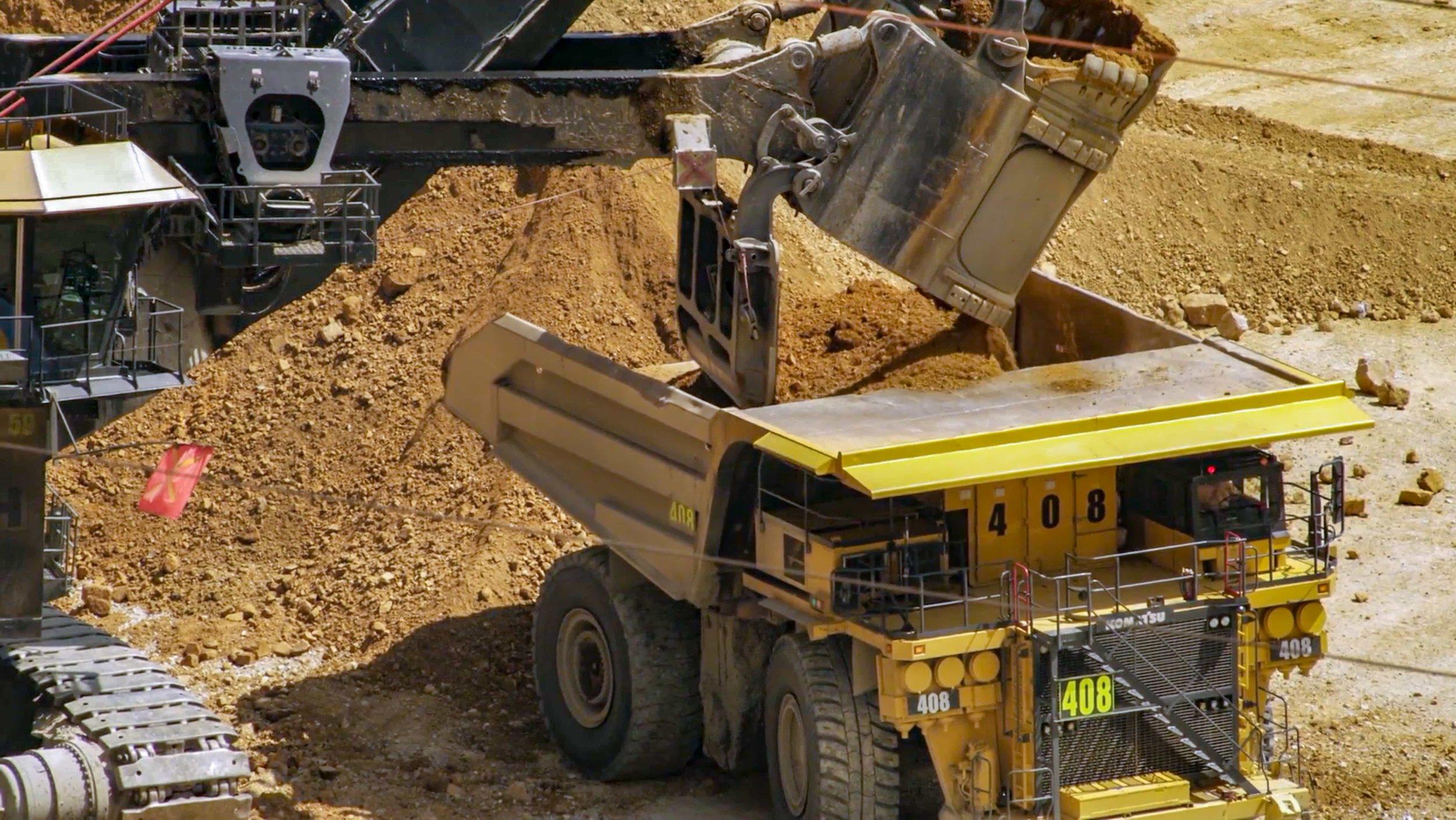 shovel loading truck closeup.jpg