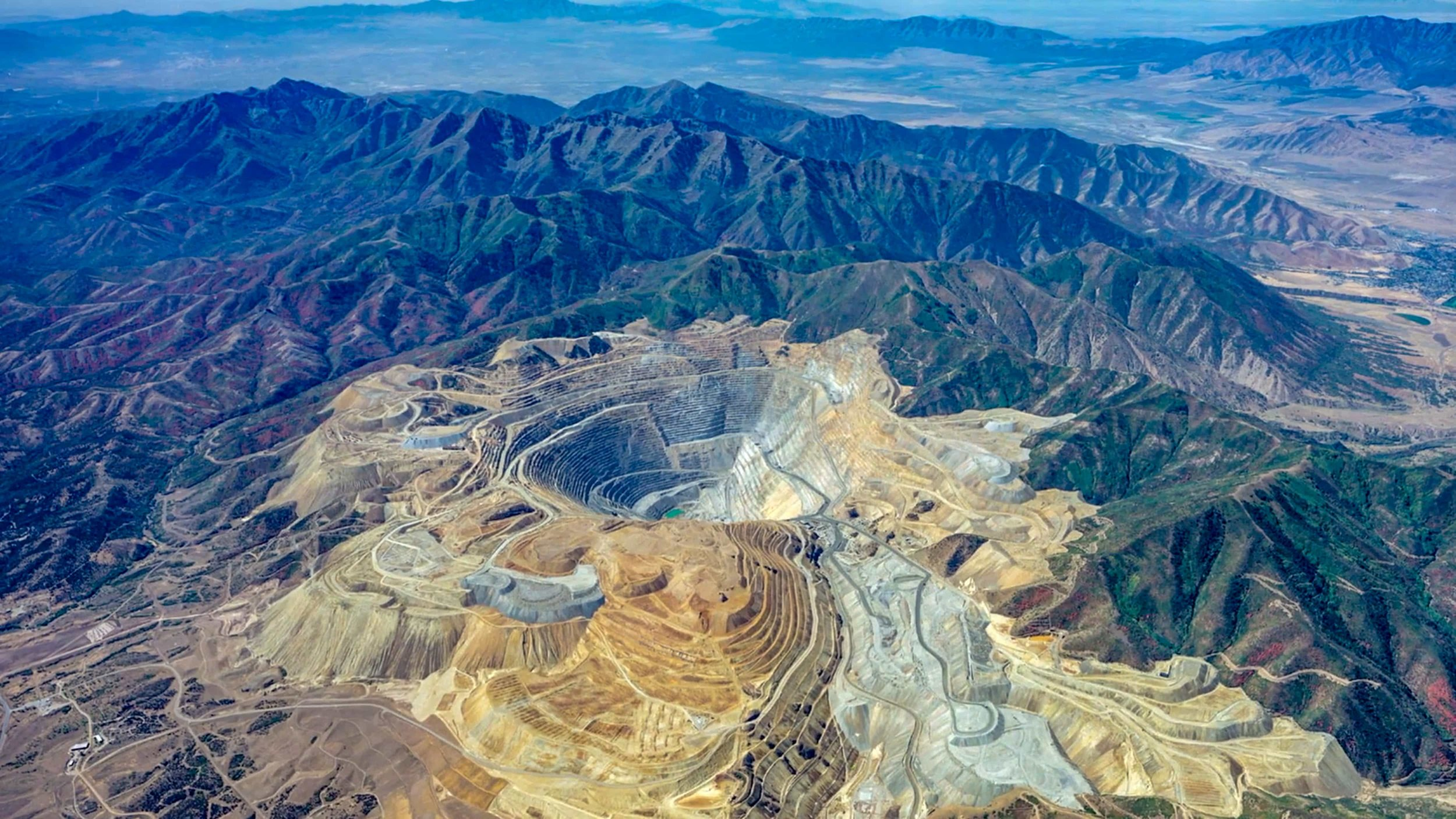 Bus tours to Utah Copper Mine