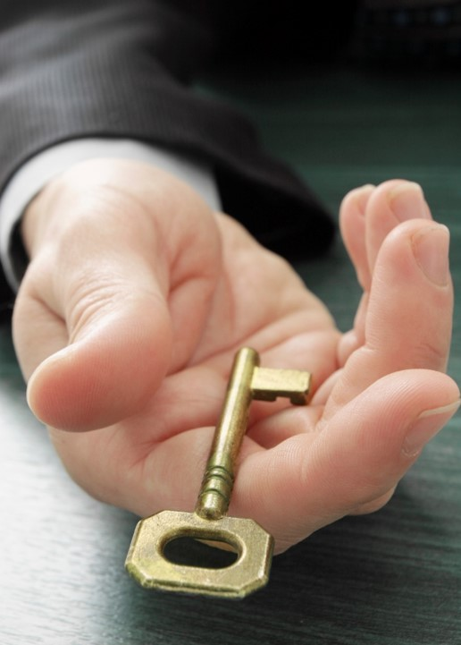 handing key