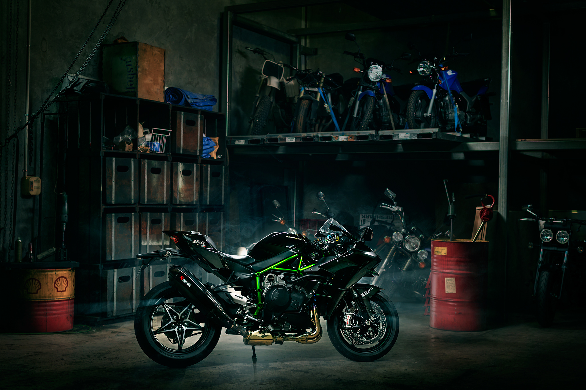 H2 PHOTOSHOOT IN OUR VERY OWN WORKSHOP - PHOTO THANKS TO SHAUN MALUGA PHOTOGRAPHY