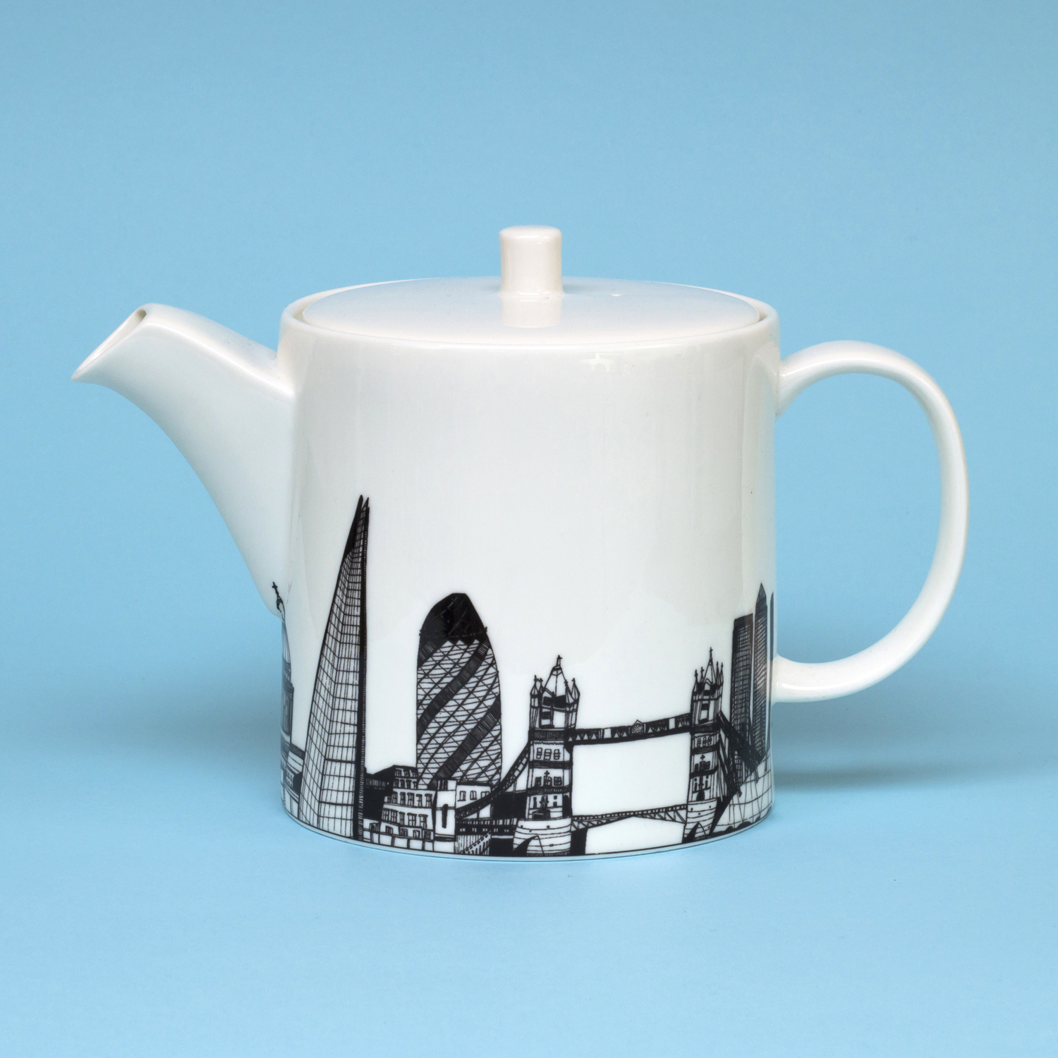 Cecily Vessey London Teapot 1.jpg