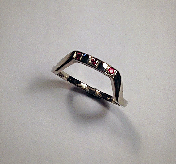 18ct White Gold Fitted Wedding Band
